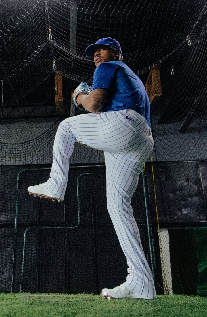 Marcus Stroman pitching a baseball